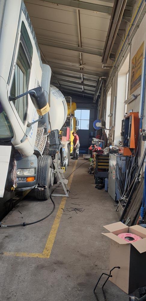 Kamion javítás